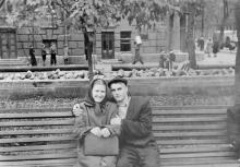 Колодезный пер., на месте разбомбленного в 1941 г. дома. Справа ул. Карла Либкнехта. 1950-е гг.