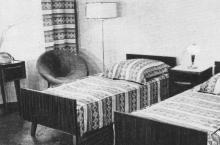 В номере гостиницы. Фото в брошюре «Гостиница «Одесса», конец 1960-х гг.