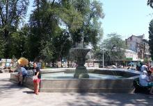 Фонтан на Соборной площади. Фотограф С.В. Гаражий. Одесса, 2017 г.