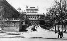 Одесса. Театральный спуск. Справа Театральный переулок. Почтовая карточка. 1930-е гг.