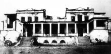 Бывший ресторан «Северный медведь», ранее бывший малый Дворец Разумовского, на месте будущего автовокзала, фотография 1920-х годов