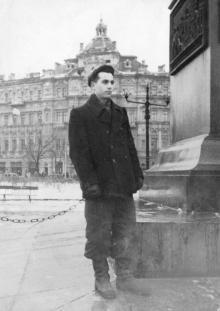 Вид на дом Русова от памятника Воронцову. Одесса. 1948 г.