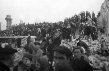 Разрушенный вокзал, 1944 г.