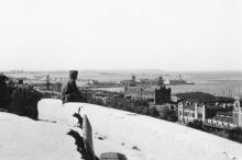 На Приморском бульваре. Вид на порт. 1942 г.