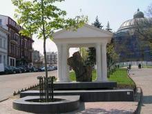 Ланжероновская угол Пушкинской, композиция была снесена 4 июня 2006 года