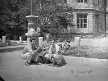 Медин, во дворе хирургической клиники, вход с Пастера или с Ольгиевской