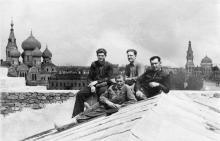 На строительстве здания Одесского вокзала. 1951 г.