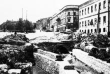 Восстановление коллекторов на Таможенной площади, разрушенных во время войны. Фотография 1945-46 гг.