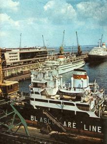 В Одесском порту. Фото в брошюре «Все флаги — в гости». 1975 г.