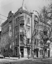 Одесса. Дом № 28 по ул. Толстого, угол пер. Попова. 1980-е гг.
