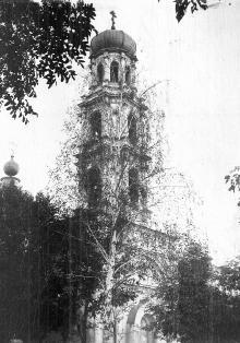Колокольня Покровской церкви на Александровском проспекте