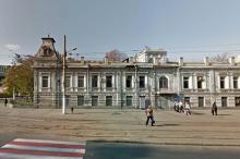 Дом № 16 по ул. Белинского, угол Пантелеймоновской. Фото с карты Google. Вероятно, 2015 г.