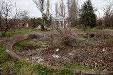 Одесса. Куяльник. Заброшенный фонтан возле бювета. Фото Е. Волокина, 25 ноября 2017 г.
