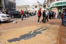Памятный знак «Тень А.С. Пушкина». Фото О. Владимирского. Одесса, 26 сентября 2013 г.