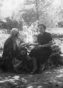 Одесса. У фонтана на территории Лермонтовского курорте. 1941 г.