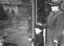 В Одесском зоопарке. 1950-е гг.