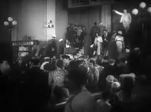 Одесса. Памятник Ленину в холле железнодорожного вокзала. Кадр из фильма «Моя любовь». 1940 г.