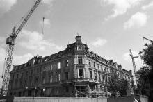 Дом № 10 по ул. Дерибасовской во время ремонта. Фото Юрия Бойко. 1988 г.