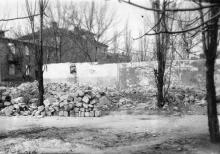 Остатки довоенного мультцеха Одесской киностудии. Фото из коллекции Ольги Щербаковой. Конец 1940-х гг.