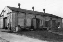 Четвертый павильон Одесской киностудии. Фото из коллекции Ольги Щербаковой. Конец 1940-х гг.