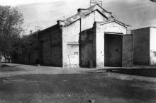 Третий павильон Одесской киностудии. Фото из коллекции Ольги Щербаковой. Конец 1940-х гг.