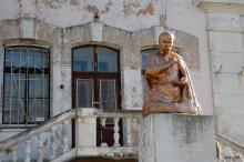 Памятник Шевченко в санатории МЧС на 16-й станции Большого Фонтана