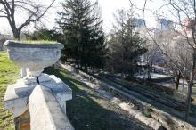 В санатории МЧС. Вид на террасы и лестницу. Фото Евгения Волокина, апрель, 2018 г.