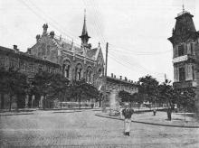 Одесса, ул. Преображенская угол ул. Пастера. Справа гостиница «Виктория». 1910-е гг.