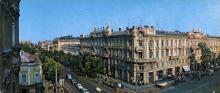 Гостиница «Пассаж». Фото Б. Минделя на панорамной открытке из комплекта «Одесса». 1978 г.
