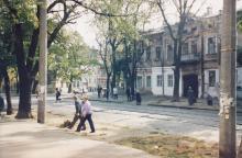 Дом № 19 по ул. Колонтаевской. Фото А.В. Валейно. 23 октября 2005 г.