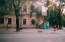Мастерская, угол Колонтаевской. Фото А.В. Валейно. 2005 г.