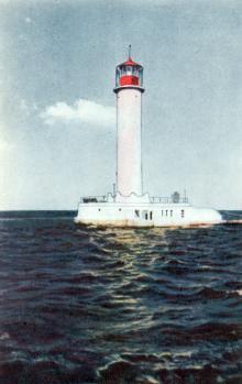 Маяк в Одеському порту. Фото А. Підберезького з комплекту листівок «Одеса». 1962 р.