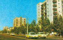 Новий житловий масив Черемушки. Вулиця Новоселів. Фото А. Підберезького з комплекту листівок «Місто-герой Одеса». 1975 р.