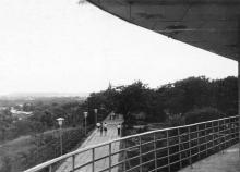 На территории лагеря «Молодая гвардия». 1970-е гг.
