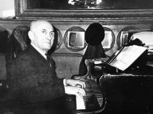 Пианист ресторана «Украина» Семен Соболевский. Одесса. 1970-х гг.