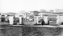 За воротами Одесского порта, вид на Таможенную площадь. 1910-е гг.
