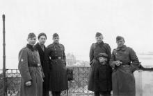 Одесса. На Приморском бульваре. Вид на порт. 16 апреля 1942 г.