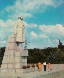 Пам,ятник В.І. Леніну. Фото Б. Мінделя на листівці з комплекту «Одеса». 1982 р.