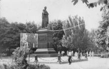 Памятник Воронцову на площади Советской Армии. 1970-е гг.