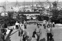 Вид на порт с Потемкинской лестницы. Одесса. 1963 г.