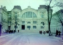 Ул. Садовая, вид на Новый рынок, фотограф В.Г. Никитенко, 1975 г.