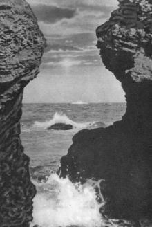 Одеса. Вид на море з боку міста. Фото на поштовій листівці з комплекту «Одеса». 1955 р.