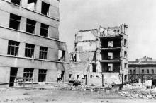 Одесса. Развалины студенческого общежития на Старопортофранковской улице. 1942–1943 гг.