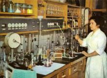 Институт общей и неорганической химии. Одна из лабораторий. Фото в брошюре «В Одессе научной». 1976 г.