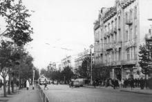 Одесса. Дерибасовская. Справа здание гостиницы «Большая Московская». Середина 1970-х гг.