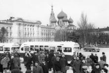 Одесса. На привокзальной площади. Фотограф Хорст Кох, 1956 г.