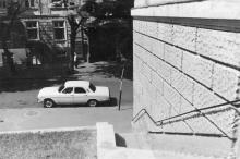 Одесса. Спуск в переулок Чайковского из сквера Чарльза Дарвина, к воротам ТЮЗа. 1980-е гг.