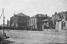 Городское девичье училище на Старопортофранковской улице (№ 32). Фотография в книге «Одесса. 1794–1894». 1894 г.
