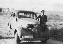 Одесса, в Александровском парке, перед аркадой. 1942 г.