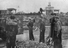 Работы по оформлению областной с/х выставки в парке «Победа». 1955 г.
